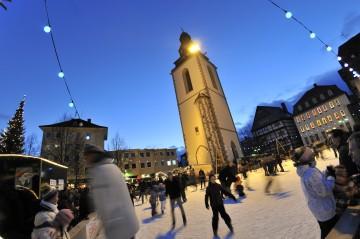 Eisbahn_Kirchenplatz